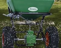 Lawn fertiliser treatement